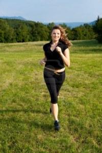 7674272-runner-girl